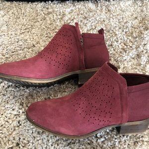 Toms maroon booties